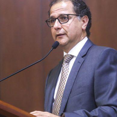"""Ministro Ísmodes: """"Necesitamos las inversiones para combatir la pobreza"""""""