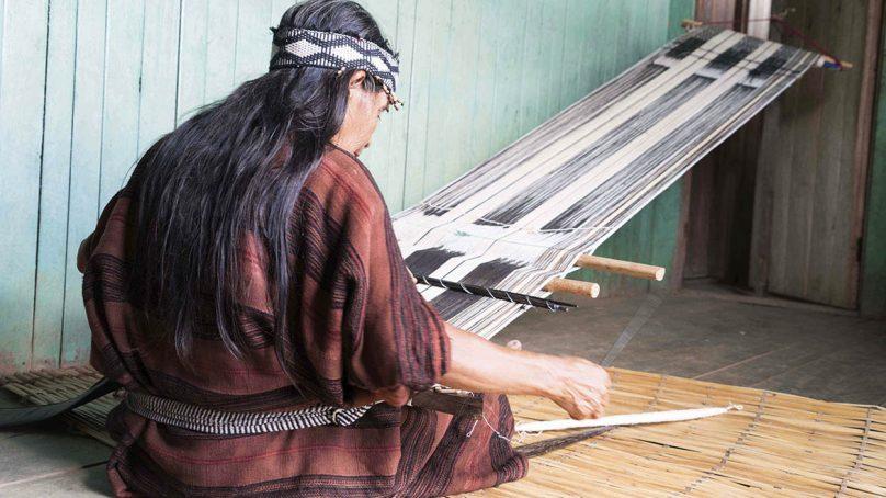 Camisea  invierte S/784,000 para perfeccionar habilidades de artesanas del Bajo Urubamba, en Cusco