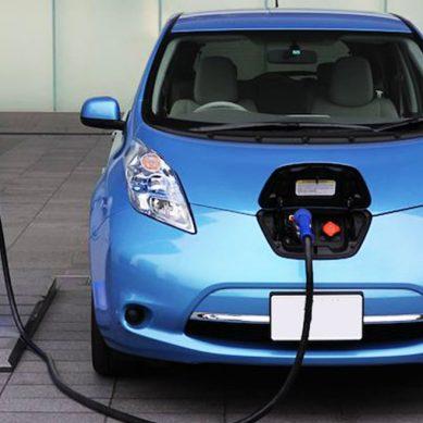 """COES: """"Debería promoverse con mayor ahínco el ingreso al país de los autos eléctricos"""""""