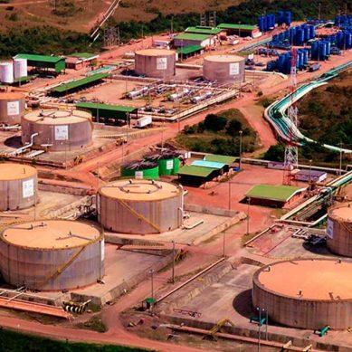 Producción petrolera de Frontera en picada por su retiro del Lote 192