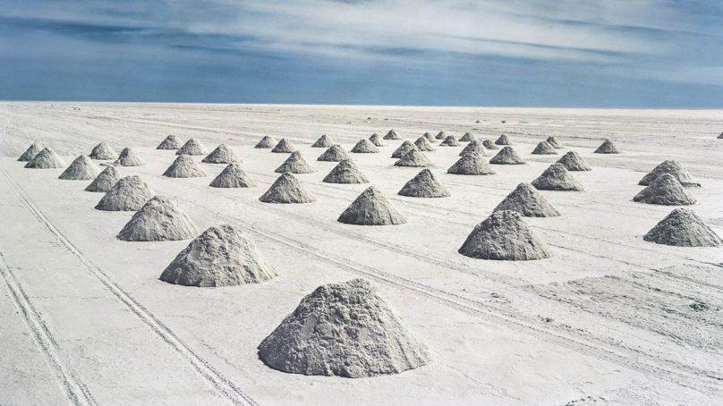 Chile pone el pie en el acelerador para liderar industria minera del litio