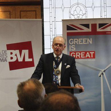 Alcalde de la City de Londres llega a Lima para estimular el negocio de los bonos verdes