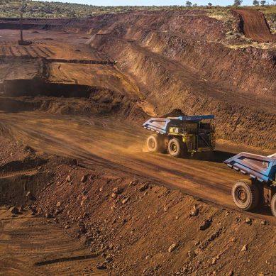Camiones autónomos para nuevo tajo en mina Centinela, en hoja de ruta de Antofagasta Minerals