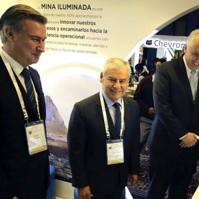 """Las opciones del premier Villanueva para que las regiones no sean """"canon-dependientes"""""""