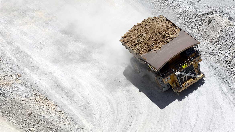 Volcan «abandona» plan de inversión de US$1 millón en proyecto Oyama Triunfo