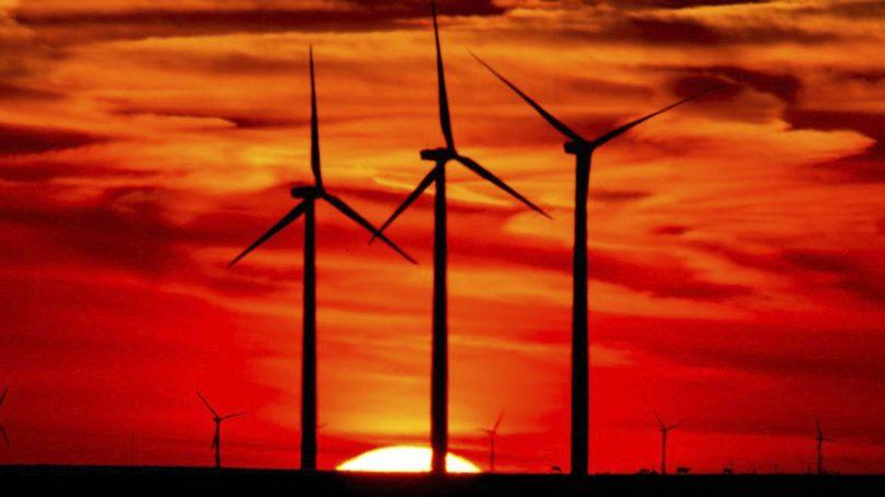 Para el 2050, la mitad de la electricidad mundial provendrá de plantas eólicas y solares