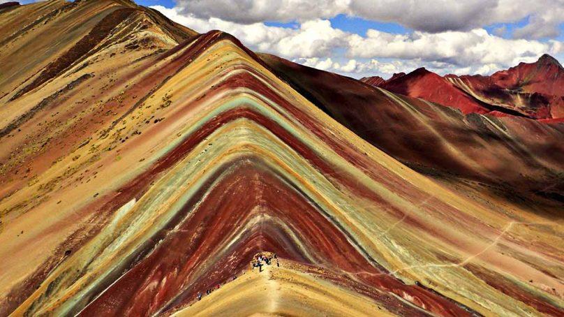 Comunidad de Pampachiri, en donde se ubica la Montaña de Siete Colores, se opone a toda clase de actividad minera