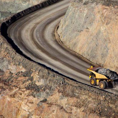 Gold Fields anuncia pérdidas globales por US$367 millones en primer semestre