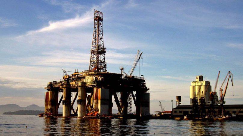 El petróleo cae más de un 2% tras el dato de reservas de EEUU