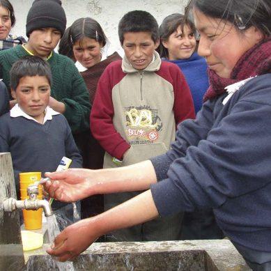 Minera Newmont y Project WET reforzarán los conocimientos sobre la gestión sustentable del agua