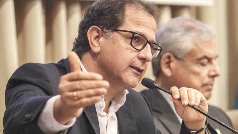 Ministro Ísmodes: Gobierno busca incrementar fuentes de energía renovable en 15%