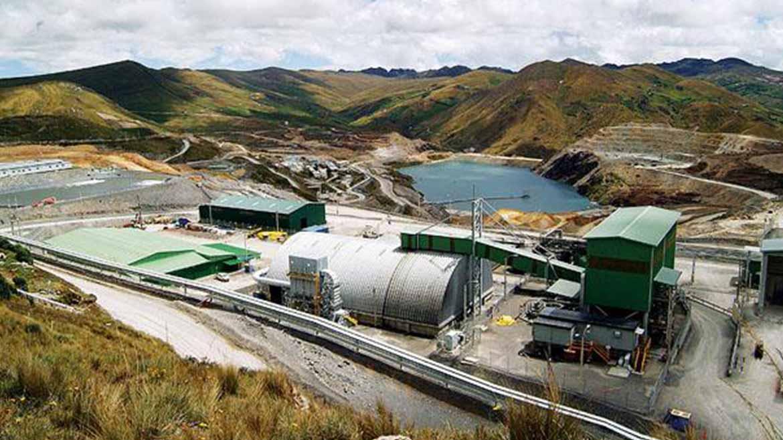 Gold Fields cada vez más cerca de expandir el tajo y relavera de Cerro Corona