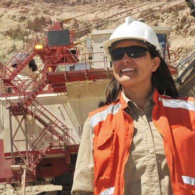 Crece participación femenina en alta dirección de las grandes mineras, según PwC