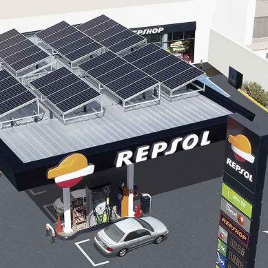 Repsol pone en operación primera estación de servicio que obtiene energía de paneles solares