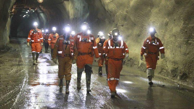Minería emplea a más personas de 26 a 45 años