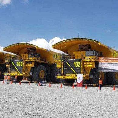 Minera Las Bambas da la bienvenida a sus primeros cinco camiones eléctricos Komatsu 980E