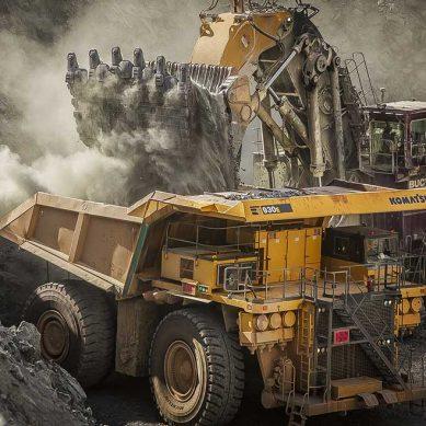 Komatsu: Un conductor de camión minero gana entre US$70,000 y US$80,000 al año