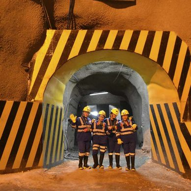 Cuatro mujeres se unen por primera vez a las operaciones de mina Cerro Lindo