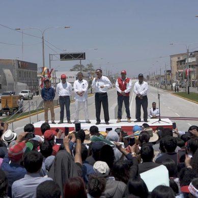 Presidente y gobernador de Piura inauguran nueva avenida Sánchez Cerro, modernizada por Cosapi