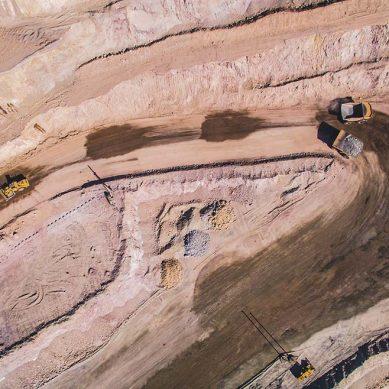 IPE: de cada S/100 que gana una minera en el Perú, S/45 se quedan en el fisco, canon y utilidades