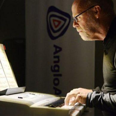 Gerente de Anglo American tocará el piano para moqueguanos por su aniversario