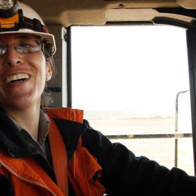 Mujeres mineras ganan S/ 3,800 menos que los hombres