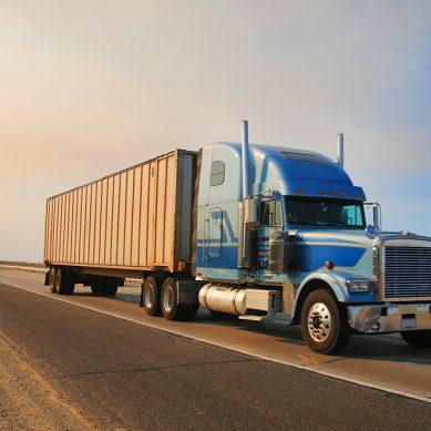 Banda roba camión con concentrados de cobre valorizados en más de US$600,000
