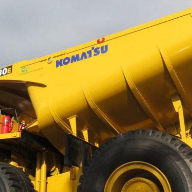 Camión Komatsu número 50 traído desde Grasberg se incorporará a Cerro Verde en mayo