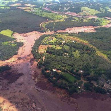 Consecuencias de la catástrofe en Brumadinho: 60 muertos, multas millonarias y acciones en el suelo