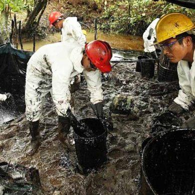 Otro derrame de petróleo más por nuevo ataque al oleoducto, reconoce Petroperú