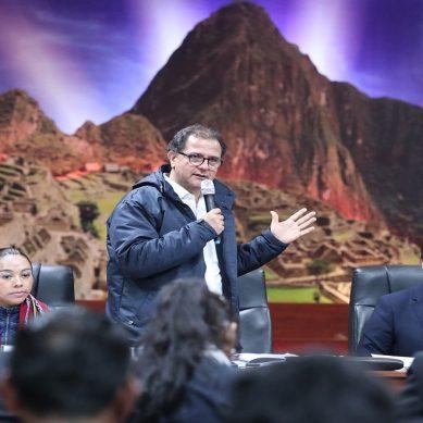 Ministro Ísmodes considera necesario implementar gasocentros en Cusco para abastecer a vehículos