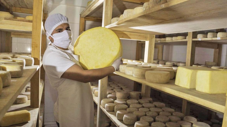 Antamina estrena tienda de productos lácteos de la cooperativa Carhuasaqui de Bolognesi