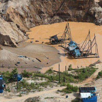 Gobierno impulsa formalización de más de 4,500 mineros en La Pampa de Madre de Dios