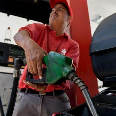 ¿Dónde puedo comprar 554 millones de litros de gasolina con 1 dólar? Bingo, en Venezuela