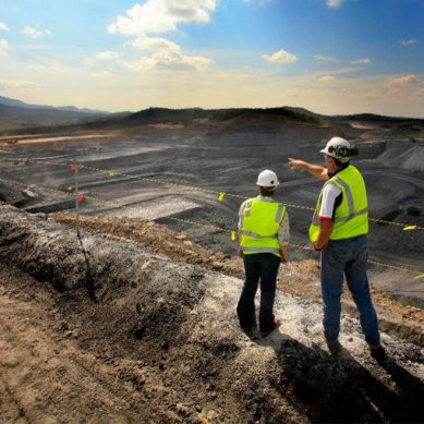 Gold Fields busca socios para sacar a flote proyecto minero de US$834 millones en Chile