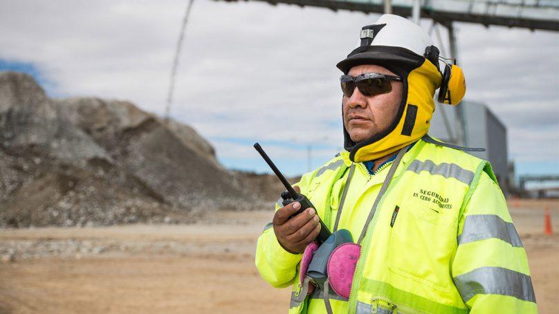 Hochschild ejecuta inversión inicial de US$ 700 mil para apoderarse de dos nuevos proyectos auríferos