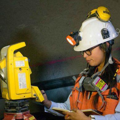 Número de mujeres en actividad minera creció en más del 100% desde el año 2009