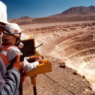 Día del ingeniero: Algunas sugerencias para cuidar la visión durante el trabajo de campo