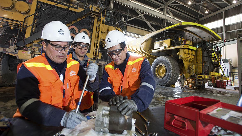 Aumenta producción de cobre (+6%) y retrocede la de zinc (-18%) en Antamina, en año fiscal
