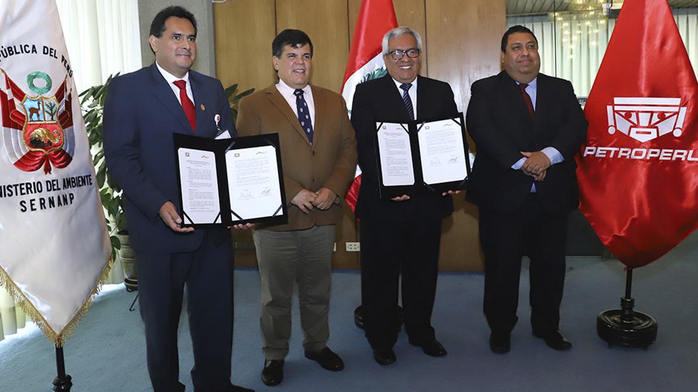 Estatal Petroperú y el Sernanp firman convenio para preservar biodiversidad