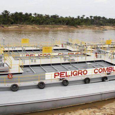 Estatal Petroperú recibe dos barcazas de doble casco en Iquitos