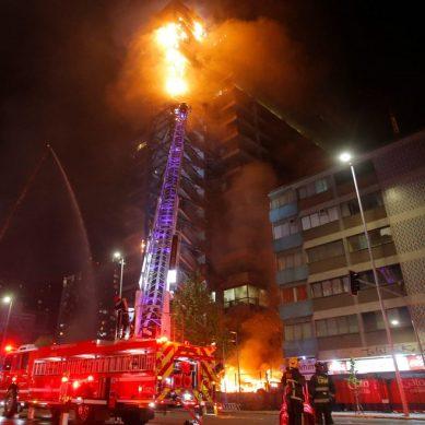 Enel expresa su indignación por incendio de oficinas en Chile