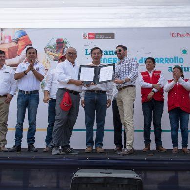 Contrato firmado: Gasnorp construirá 1,100 km de redes para llevar gas natural a Piura