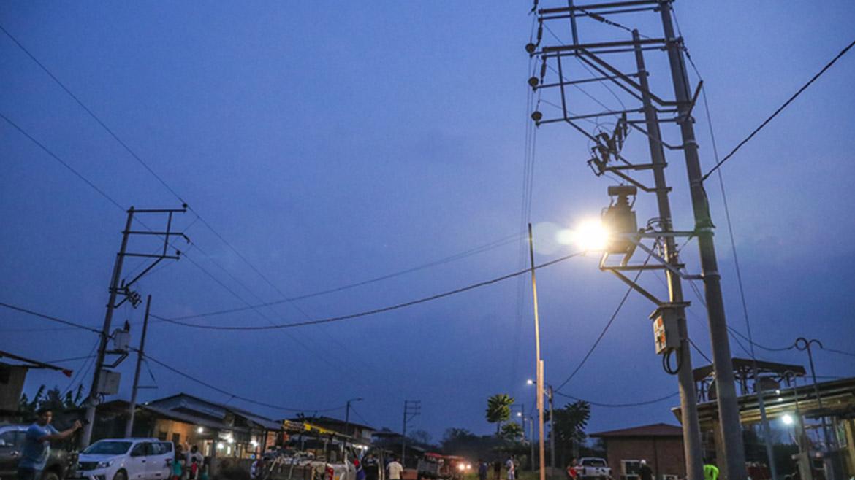 En lo que va del año, Ejecutivo ha invertido S/170 millones en electrificación rural