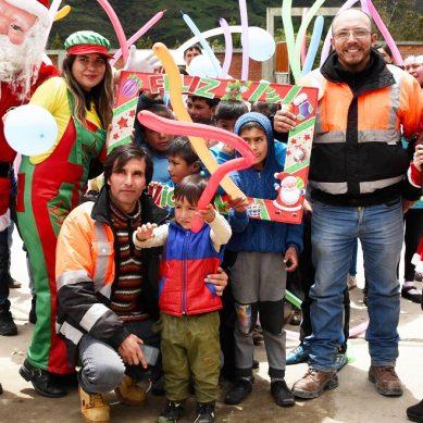 Gold Fields llevó la magia de la Navidad a 1,300 niños de zonas de influencia