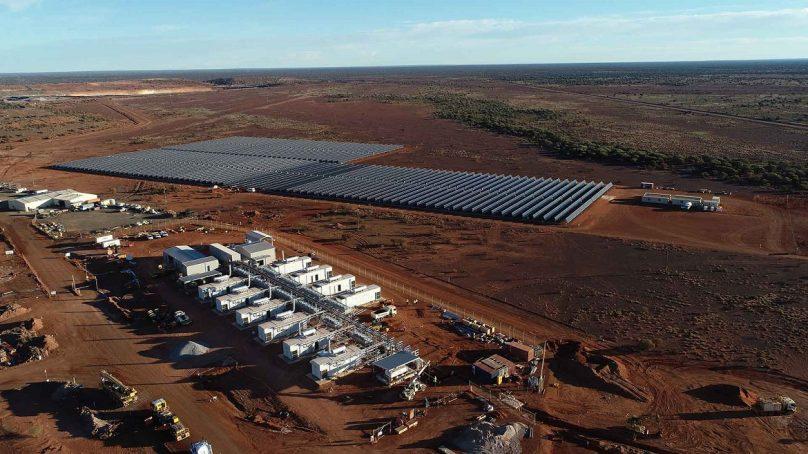 Gold Fields combina el poder de la luz solar, gas y diésel para electrificar su mina de oro