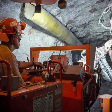 Pan American descubre depósito con 102 Mlls de onzas de plata