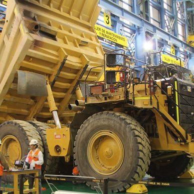 Espacio para cinco CAT 794AC: el «truck shop» que construye Sacyr para Quellaveco