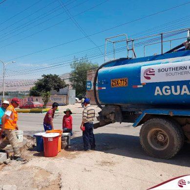 Moquegua: Southern Copper y Anglo American llevan agua a Samegua y limpian sus calles
