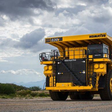 Komatsu lanza una actualización de su volquete minero 830E-5 al mercado